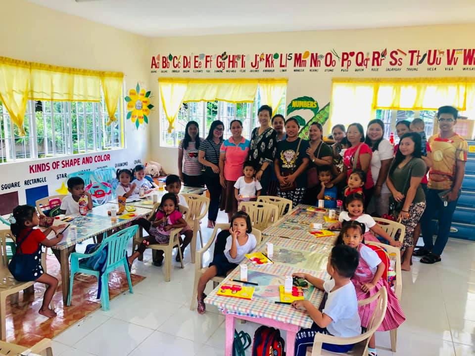 Together with daycare pupils & their parents at Cabalitian Child Development Center